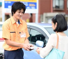 豊川市の鍵屋スタッフが現場で無料お見積りいたします